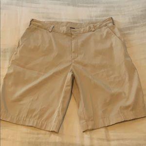 Men's Nike Fit Dry golf shorts sz34 light khaki